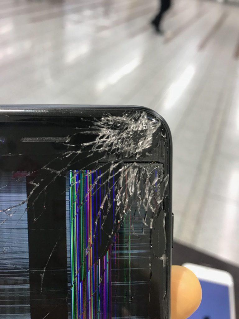 iPhone7 画面割れ ズーム