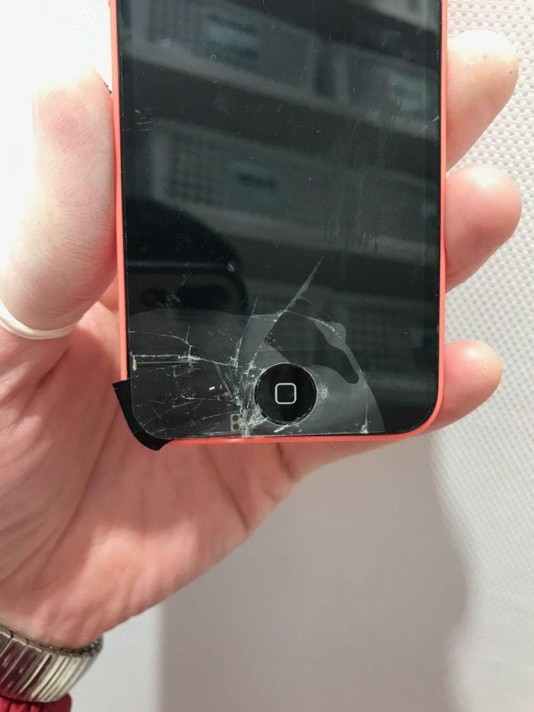 iPhone5c ひび割れ画像