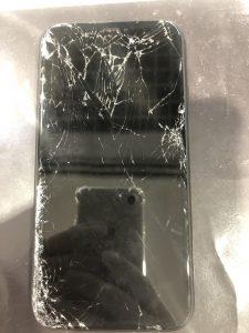 iPhone修理前画像