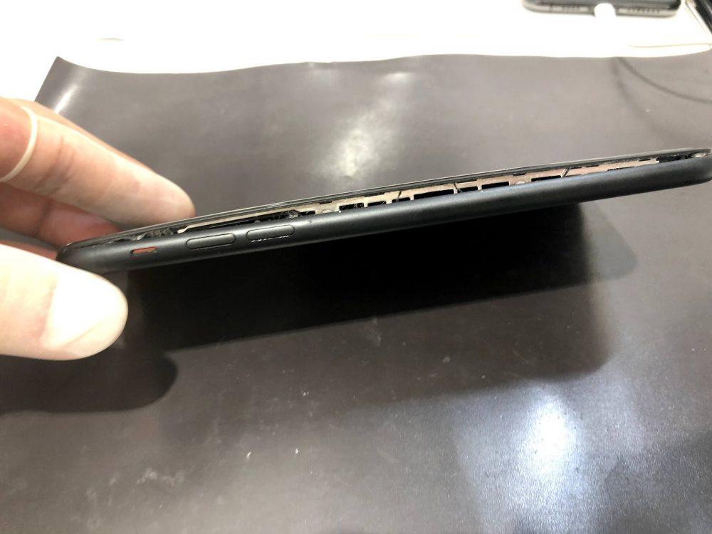 iPhone7p バッテリー膨張