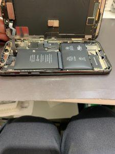 iPhoneX バッテリー膨張