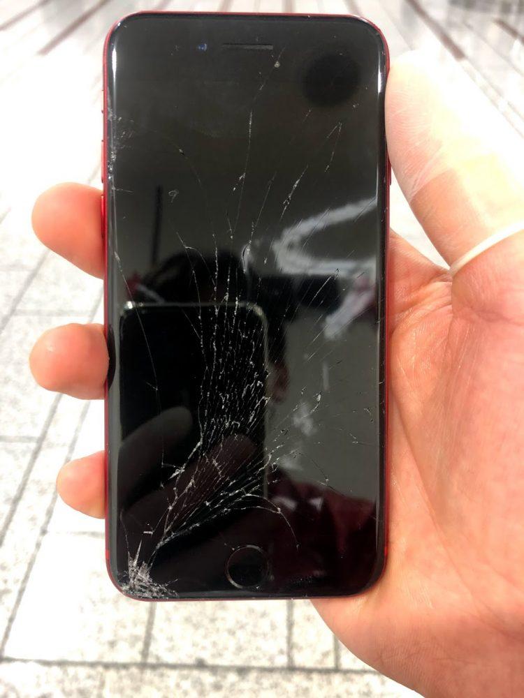 iPhone8 ブラックアウト