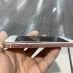 【川崎区より】iPhoneSEバッテリー膨張と供に画面タッチが出来なくなった!?